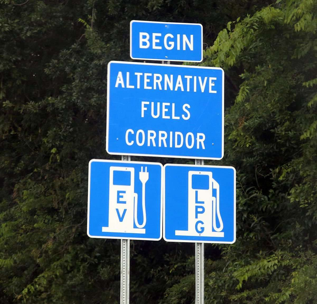 South Carolina leads in Southeast US with alt-fuel corridor signage