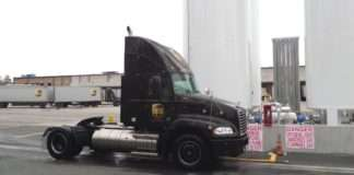 UPS LNG tractor
